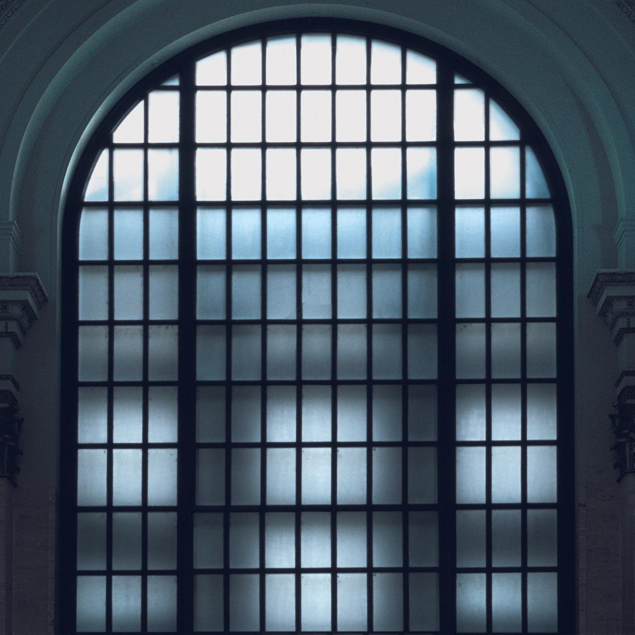 Glass: Arch (Chicago) 2002 Druckfläche 83cm x 83 cm  Gerahmt 120 h x 118 b Nummer 5/8 Limitierte Auflage von 8   Euro 3.400 gerahmt Archival Ink Print; Sommerset Fine Art Papier
