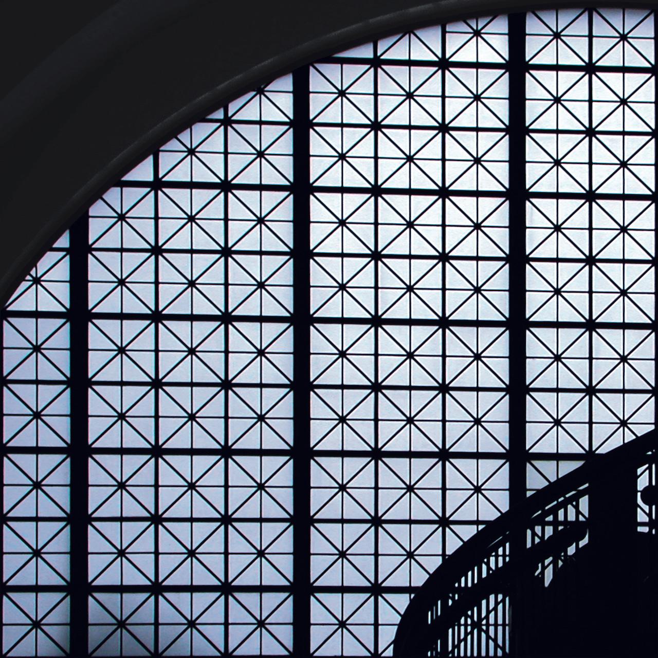 Glass: Balcony (Washington D.C.) 2004 Druckfläche 83cm x 83 cm  Gerahmt 120 h x 118 b Nummer 7/8 Limitierte Auflage von 8 Euro 3.400 gerahmt Archival Ink Print; Sommerset Fine Art Papier