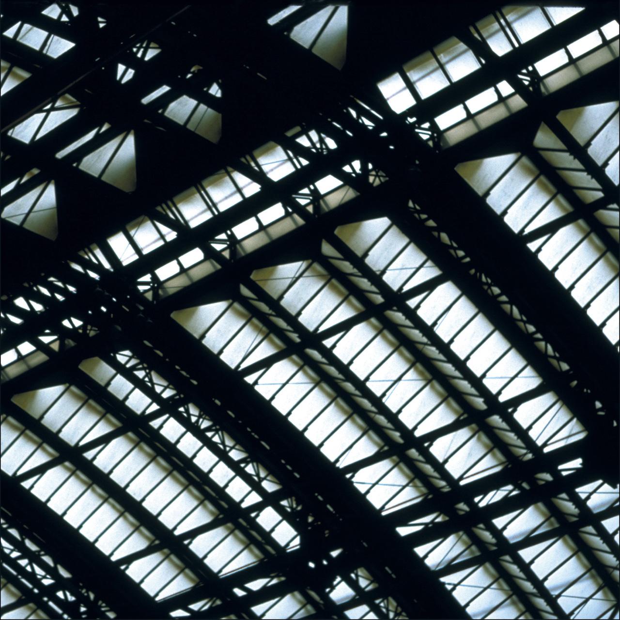 Glass: Diagonal (Koeln) 2002 Druckfläche 83cm x 83 cm  Gerahmt 120 h x 118 b Nummer 6/8 Auflage von 8 Euro 3.400 gerahmt Archival Ink Print; Sommerset Fine Art Papier