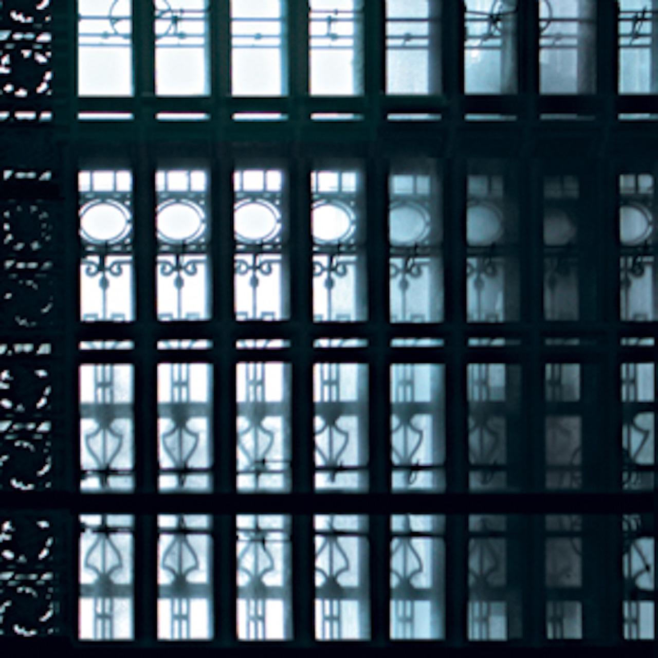 Glass: Filigree (New York) 2002 Druckfläche 35,5 x 35,5 cm  Gerahmt 61 cm h x 60 cm b Nummer 8/18 Limitierte Auflage von 18 / Kein Großformat Euro 1.100 gerahmt Archival Ink Print; Sommerset Fine Art Papier