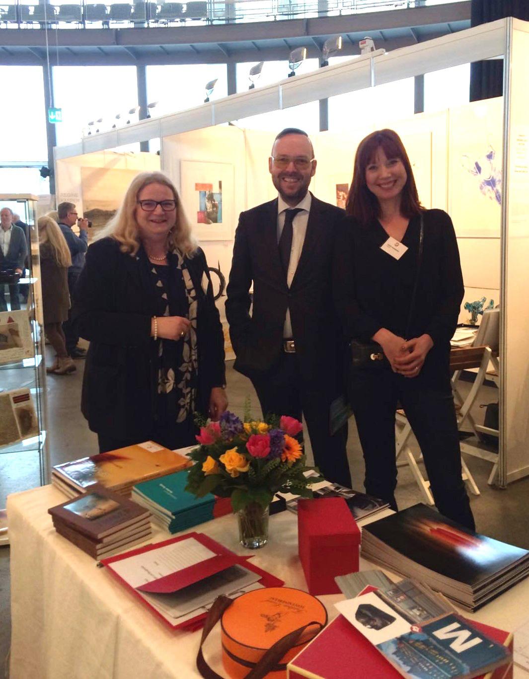 Nicole von Vietinghoff-Scheel, Michael Münzer vom Zeit-Kunstverlag und Tanja Wekwerth