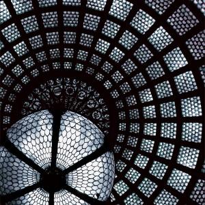 Glass: Zodiac (Chicago)2004 Druckfläche 83cm x 83 cm  Gerahmt 120 h x 118 b Nummer 1/8 Limitierte Auflage von 8 Euro 3.400 gerahmt Archival Ink Print; Sommerset Fine Art Papier